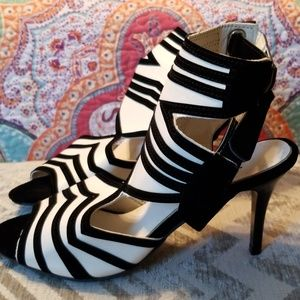 NEW ALL LEATHER HEELS!